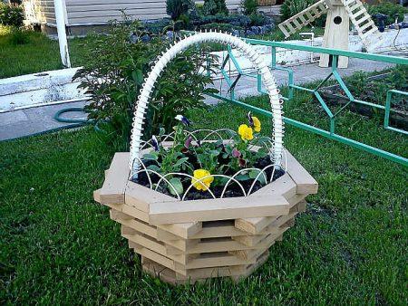 клумба-корзинка для сада