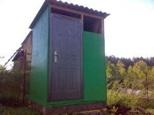tualet-dlya-dachi-bez-zapaxa-i-otkachki-svoimi-rukami-instrukciya