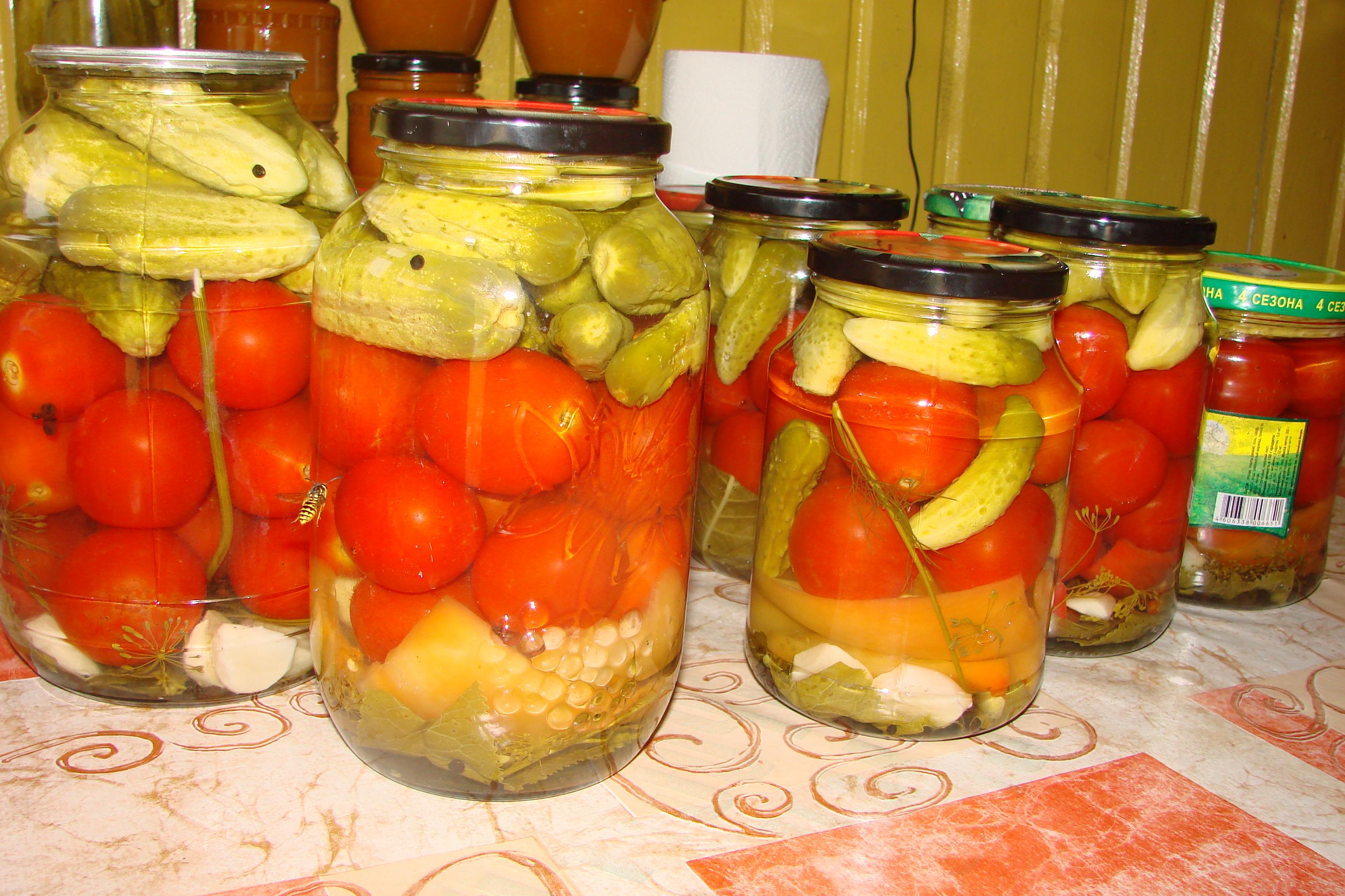 Как сделать вкусно помидоры и огурцы на зиму