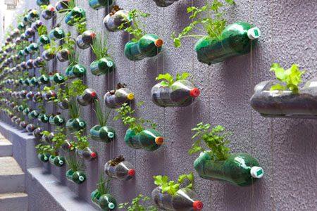 из пластиковых бутылок