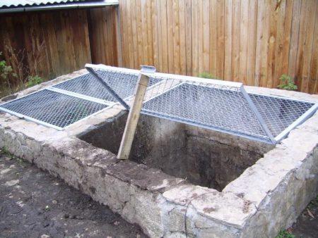 Компостная яма своими руками, варианты изготовления, фото