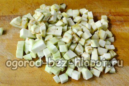 нарезанные баклажаны