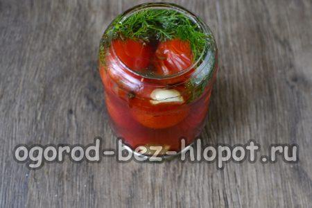 закрыть томаты крышками