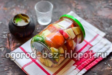 помидоры с яблоками на зиму готовы