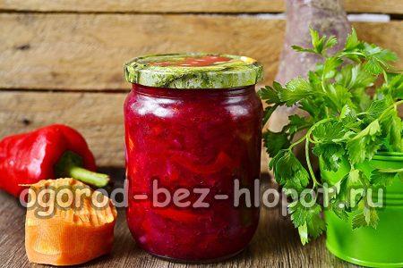 баночка овощного салата