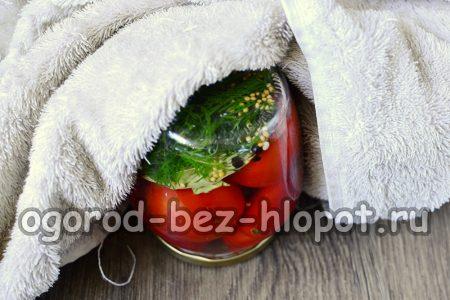 закатать помидоры крышками