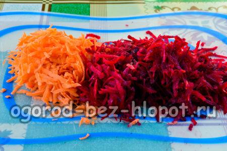 морковь и свеклу натереть
