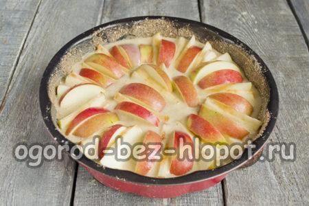 выложить яблоки веером