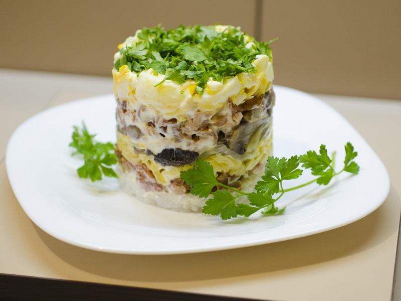 Салат с фиолетовыми рядовками