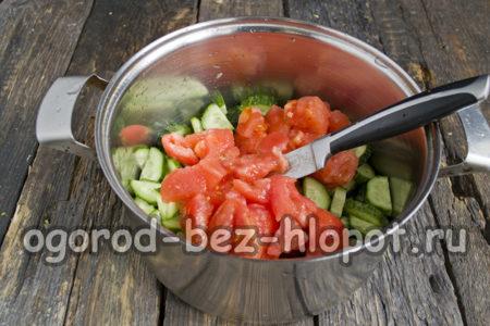 помидоры очистить, нарезать