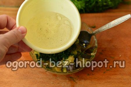 полить маринадом баклажаны