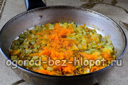 овощи обжарить до мягкости