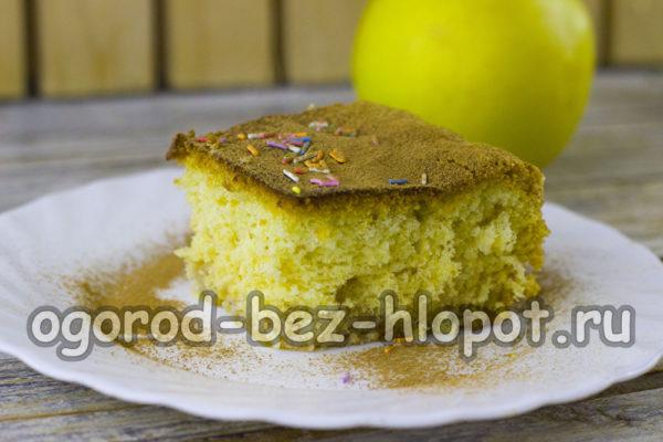 простой яблочный пирог готов