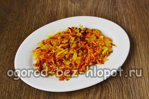 слой моркови с луком