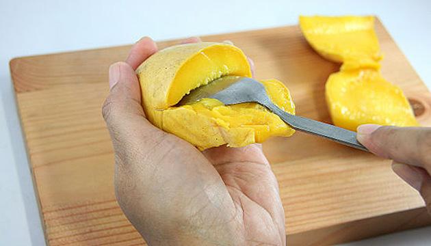Извлечение косточки из манго
