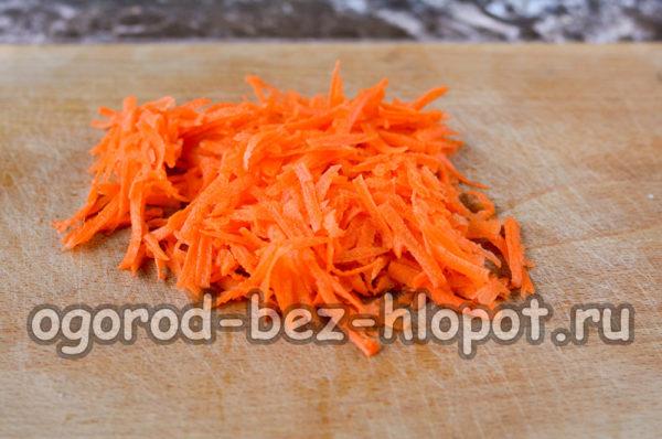 морковь почистить и натереть