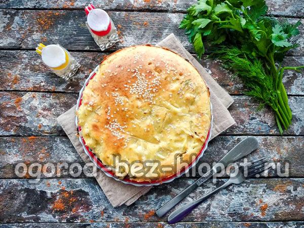 выложить пирог из капусты на блюдо