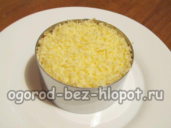слой твердого сыра