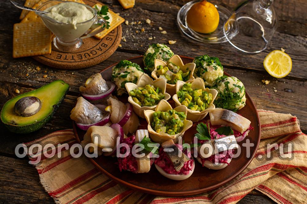 закуска с селедкой и картошкой
