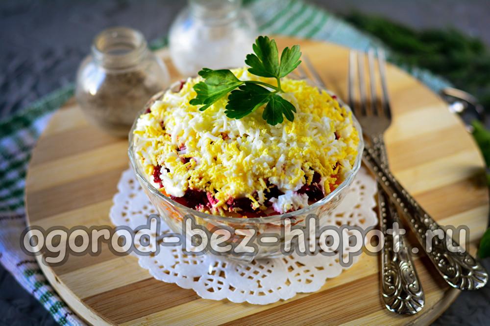 салат со шпротами очень вкусный