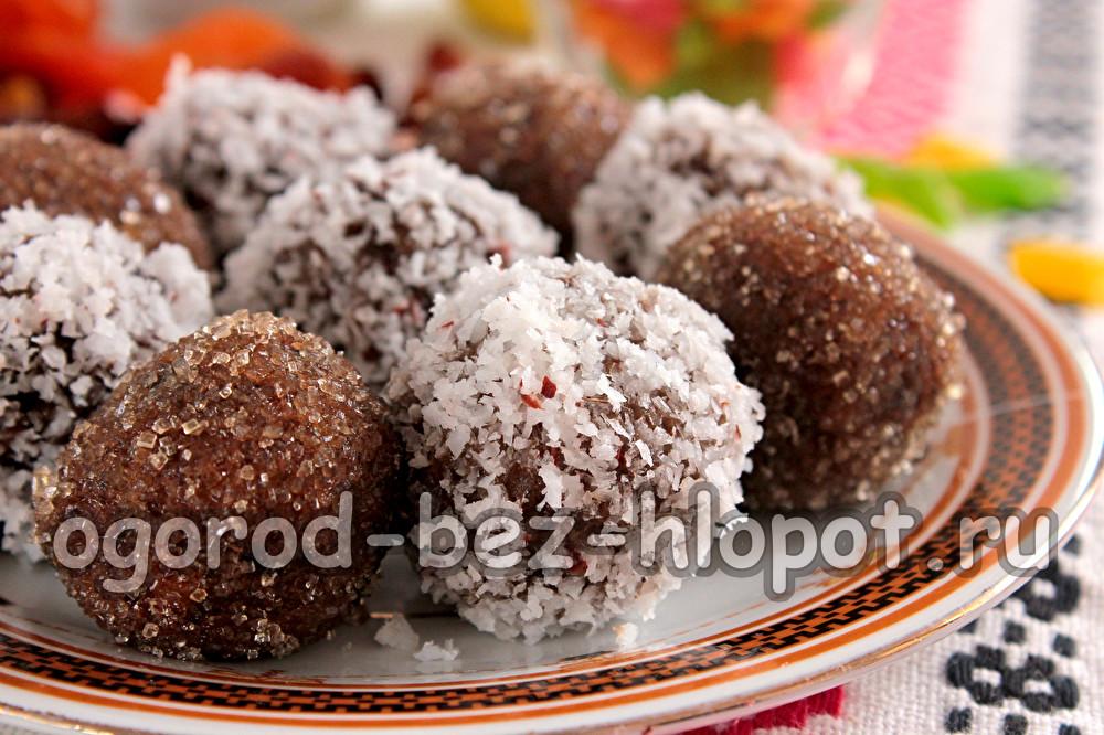 постные конфеты из сухофруктов с орехами