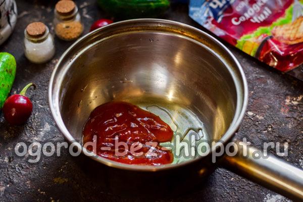 кетчуп в кастрюле