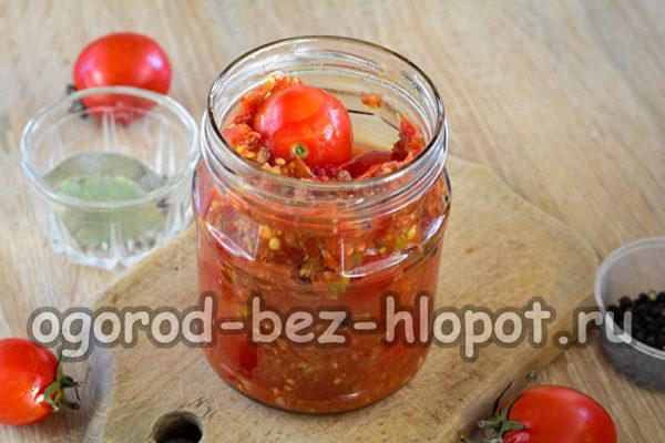 залить помидоры аджикой