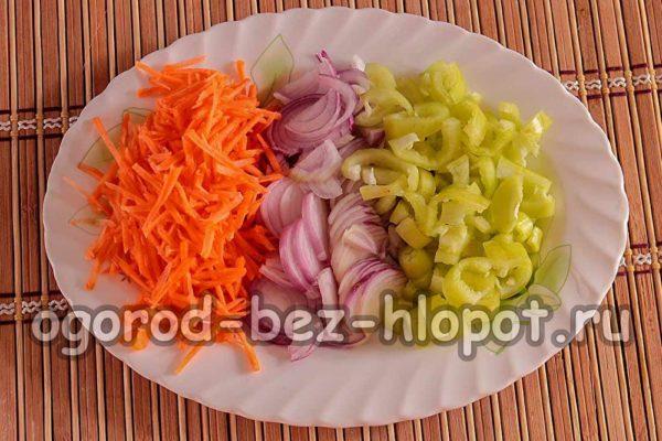 морковь, лук и перец